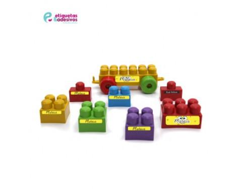 Kit Brinquedos com temas coloridos